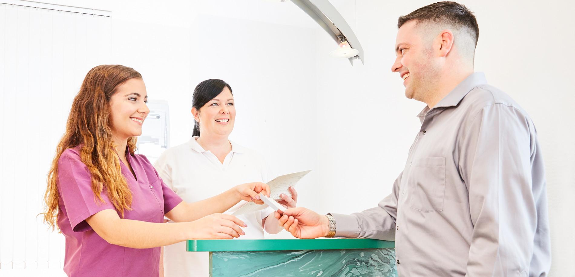 Zahnarztpraxis  Zahnrhein in Walluf - Kontakt 1