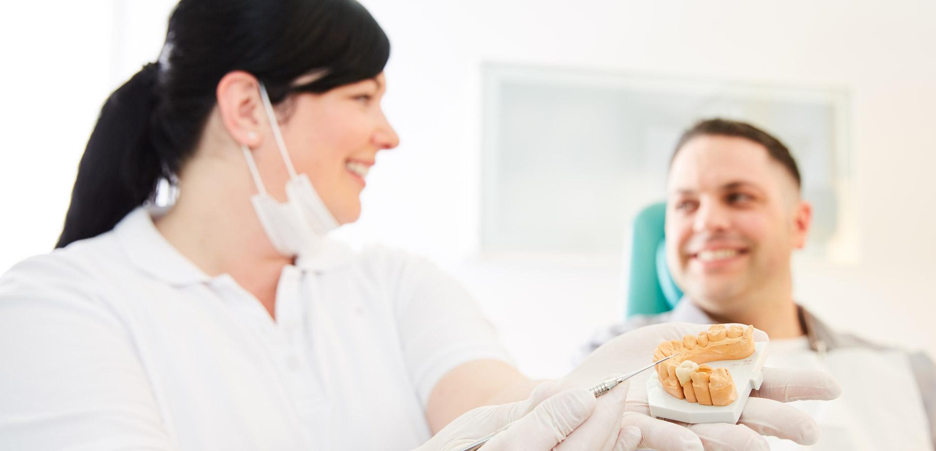 Zahnarztpraxis  Zahnrhein in Walluf - Ästhetische Zahnheilkunde 1