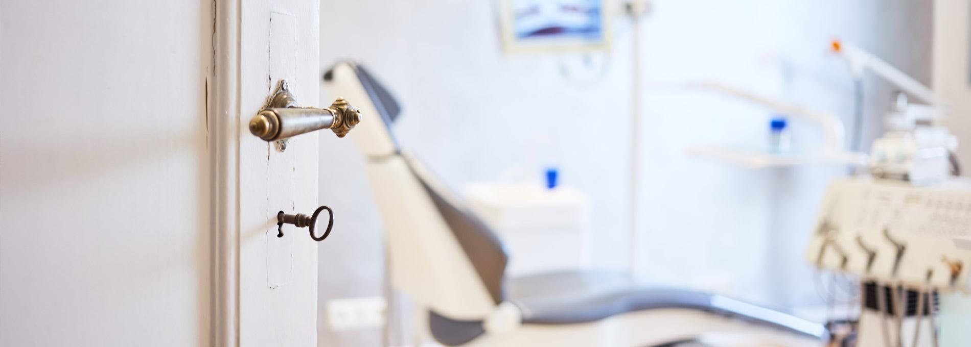 Zahnarztpraxis  Zahnrhein in Walluf - Herzlich willkommen bei Zahnrhein
