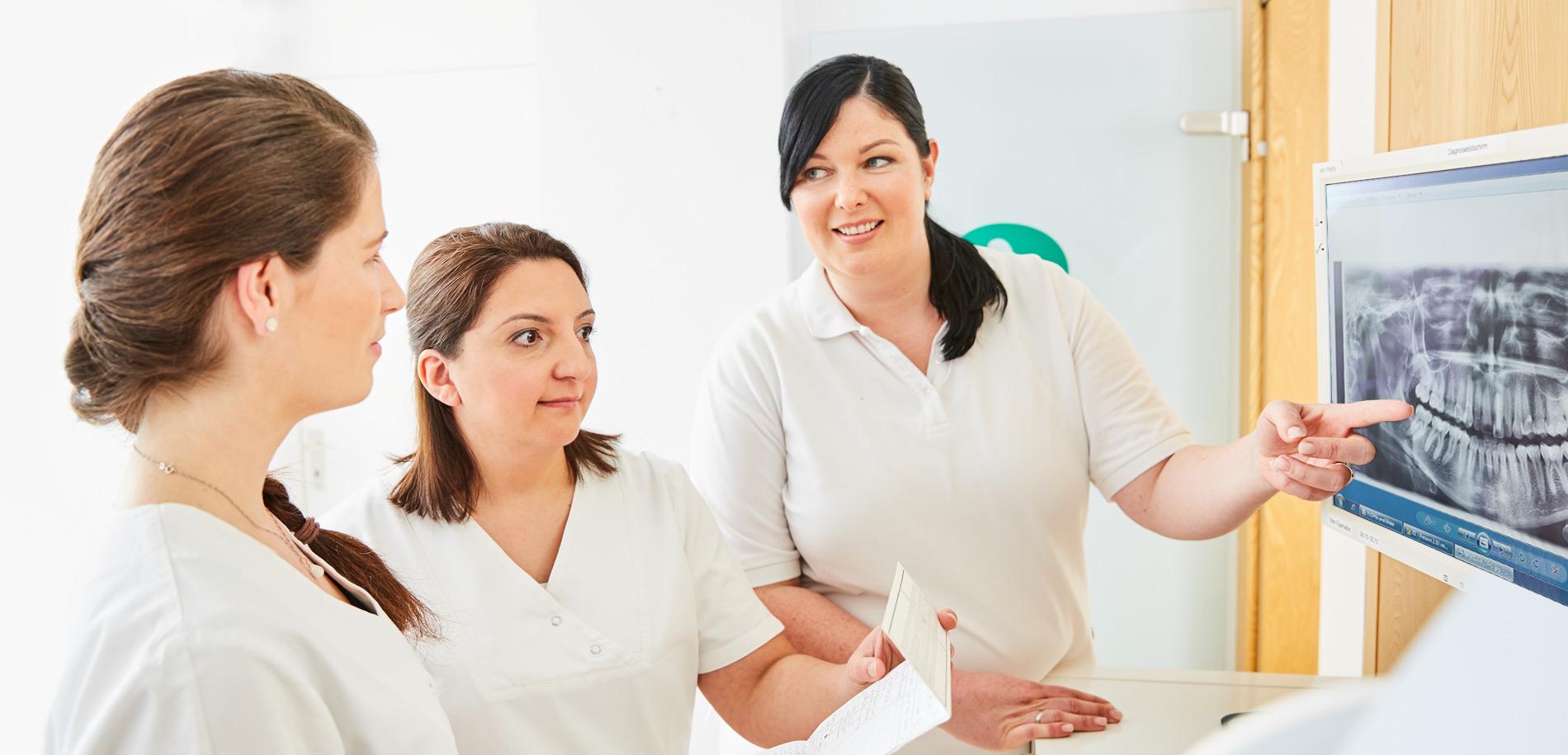 Zahnarztpraxis  Zahnrhein in Walluf - Unsere Zahnärztinnen 1